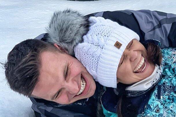 Zimowe szaleństwo Katarzyny Cichopek i Marcina Hakiela. Widać, że bawią się wyśmienicie
