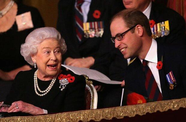 Królowa Elżbieta powoli wycofuje się z pełnienia królewskich obowiązków. Trwają przygotowania do przejęcia władzy przez Williama