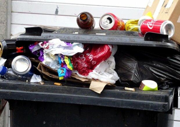 Rekordowo wysokie podwyżki cen wywozu odpadów w stolicy. Mieszkańcy się zbuntują