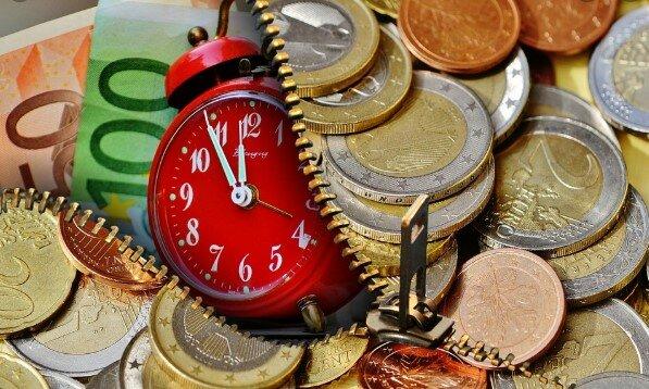Doskonała wiadomość dla emerytów przed świętami. Jeszcze w poniedziałek do rąk seniorów trafią pieniądze, ale tylko w jednym mieście w Polsce