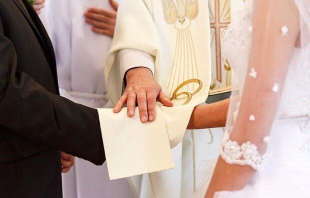 Spore zmiany w kwestii zawierania małżeństw. Młodzi muszą przygotować sięna szereg formalności
