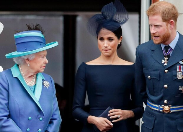 Zmęczeni królewskim dworem Harry i Meghan chcą zacząć nowe życie osobno. Oświadczenie Elżbiety II wzmaga niepokój wśród poddanych