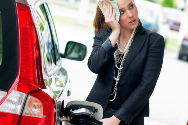 Co oznacza dla Polaków konflikt pomiędzy Iranem a USA? Eksperci wypowiedzieli się o podwyżkach cen paliwa