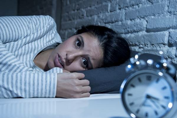 Oto jeden prosty trik na kłopoty z zasypianiem. Bezsenność już nie będzie problemem
