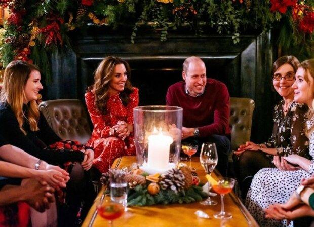 Kate i William zaskoczyli fanów bożonarodzeniowym prezentem. Tego nie można było się spodziewać