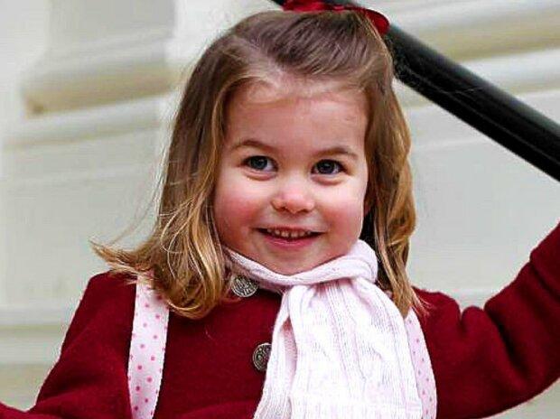 Książę William był zdziwiony gdy zobaczył swoje zdjęcie z dzieciństwa. Wcześniej nie zdawał sobie sprawy jak bardzo podobna jest do niego jego córka
