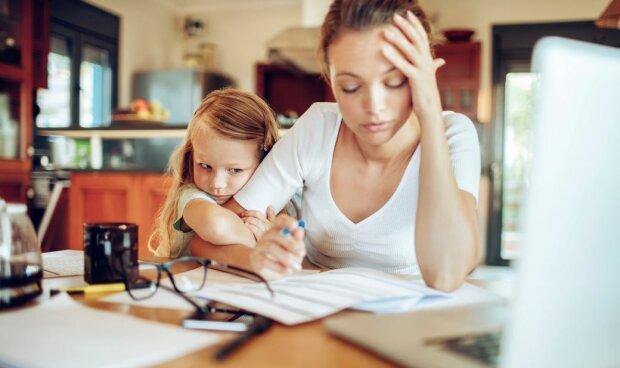 Grupa kobiet zdradziła, kto wywołuje u nich większy stres, wybierając pomiędzy mężami i dziećmi. Wyniki i argumentacja dają do myślenia