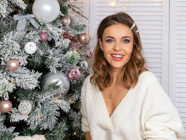 Znana aktorka i tancerka zamierza spędzić Boże Narodzenie w magiczny sposób. Zamierza wciągnąć ukochanego w wir przygotowań