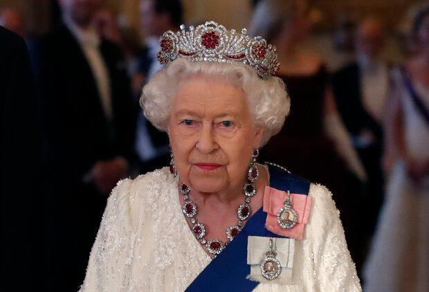 Czy królowa Elżbieta II wreszcie odpocznie? Tym razem zaskoczył ją wnuk