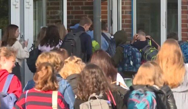 Dzieci szkoła/Youtube @France24 English