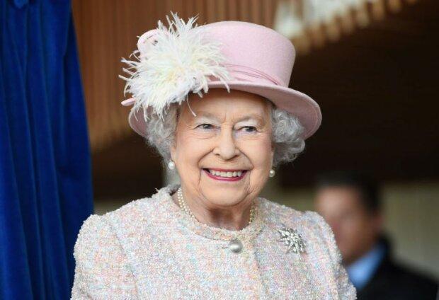 Nowe fakty z życia Elżbiety II. Królowa nie pochodzi ze szlacheckiej rodziny
