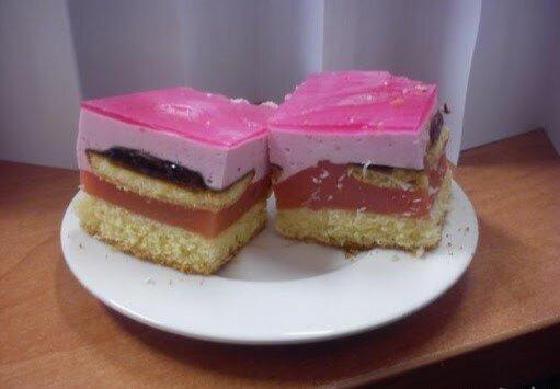 Urocze ciasto stanie się hitem domowych przyjęć. Wszystkie gospodynie domowe w Polsce chcą powtórzyć ten przepis, by uraczyć bliskich