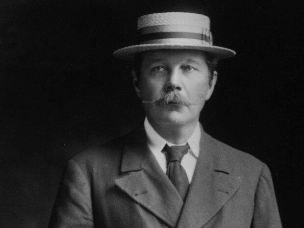 Autor Sherlocka Holmesa wierzył w istnienie drugiego życia. Artystę fascynowały duchy