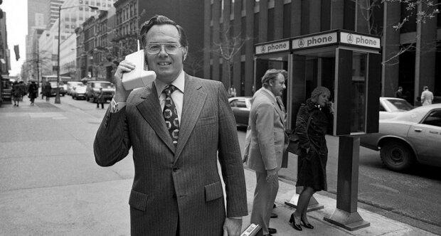 Pierwsze telefony komórkowe