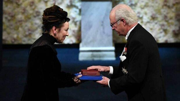 Olga Tokarczuk odebrała wczoraj literacką Nagrodę Nobla. Po ceremonii została zaproszona na wykwintny bankiet