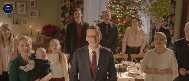 Mateusz Morawiecki przekazał Polakom życzenia świąteczne. W rodzinie Morawieckich to Boże Narodzenie pełne refleksji