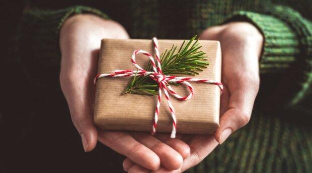 """Gwiazda """"Tańca z gwiazdami"""" rozdaje świąteczne prezenty. Wystarczy wejść na stronę i wpisać hasło"""