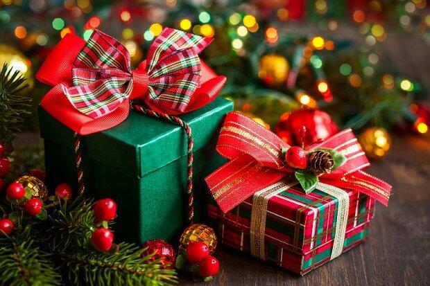 Dostał prezent prawie 50 lat temu i otworzył go dopiero teraz. To, co tam ujrzał całkowicie go zaskoczyło