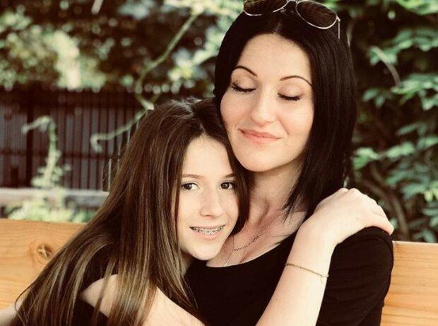 Mama Roksany Węgiel zdradziła tajemnicę córki i powiedziała o jej relacji z byłym chłopakiem. Para wciąż utrzymuje bliski kontakt