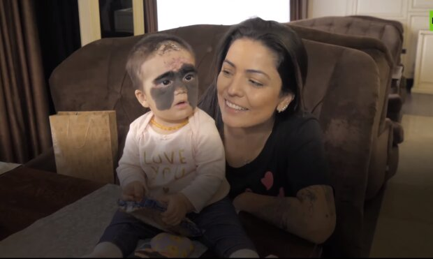 Luna Fenner z mamą/YouTube @RT