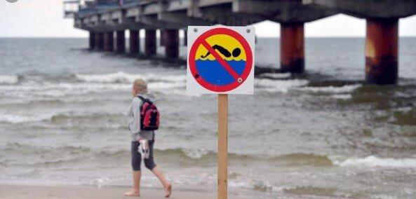 Polacy nie będą mogli się kąpać w wodach Morza Bałtyckiego? W morskich wodach pojawi się ... bakteria