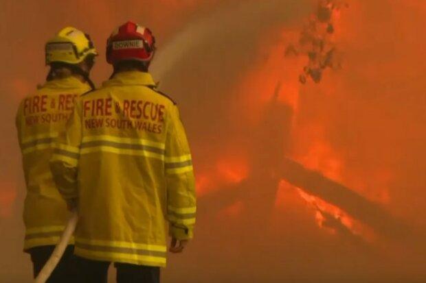 Ogień trawi ogromne połacie tego kontynentu. Strażacy apelują, by ewakuować się jak najszybciej, mieszkańcy bez dachu nad głową