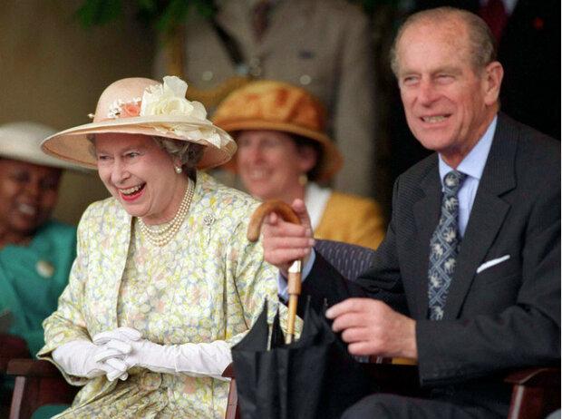 Jak królowa Elżbieta II zareagowała na  żart stylista? Wszyscy zaniemowili