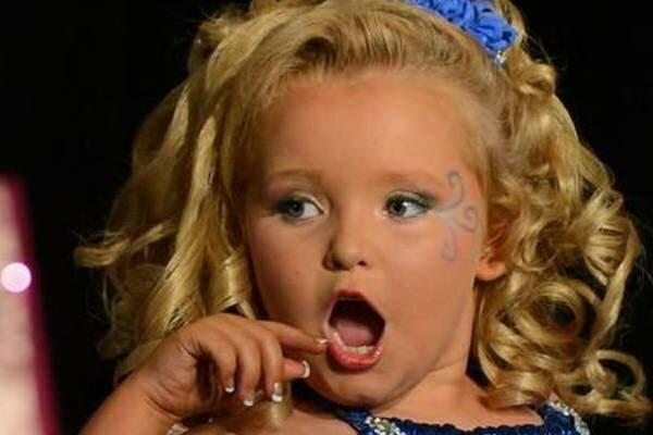 Tę dziewczynkę okrzyknięto najpiękniejszym dzieckiem świata. Po latach przeszła zaskakującą zmianę