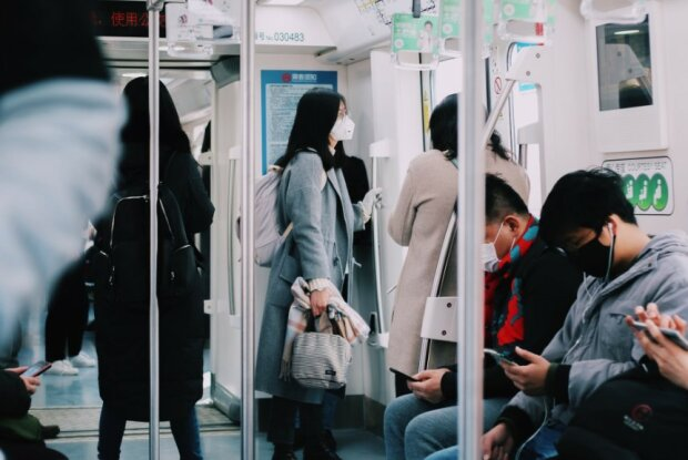 Koronawirus w transporcie publicznym/screen Pexels