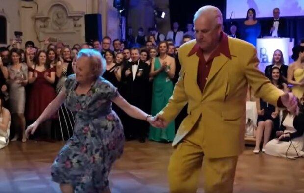 Ta para zachwyca swoim tańcem