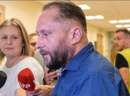 Choć nie trafi do aresztu to dostał kilka zakazów sądowych. Kamil Durczok ma spore kłopoty