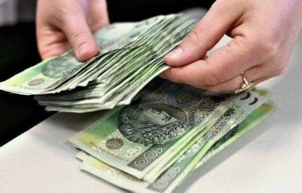 Wkrótce Polacy otrzymają miliony złotych na emeryturę. Nadchodzą wypłaty z Funduszu Pracy