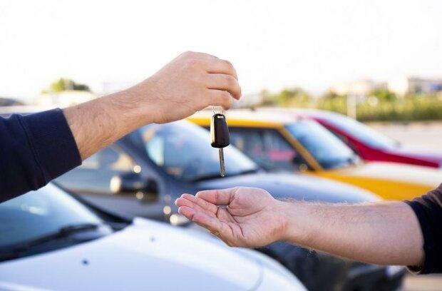Kupiłeś auto i zapomniałeś o nowym przepisie? Możesz zapłacić nawet 1000 złotych