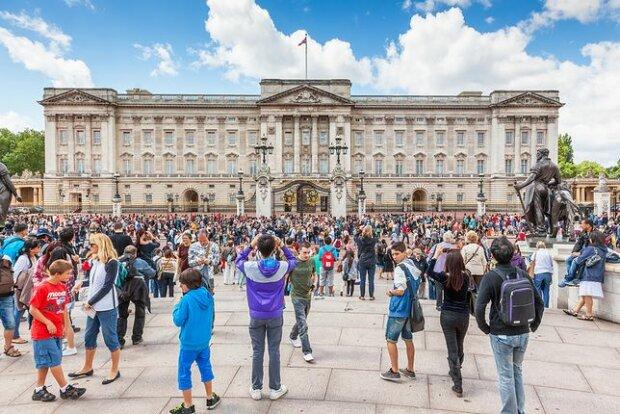 Niepokojąca sytuacja na Wyspach. Pilna narada w Pałacu Buckingham