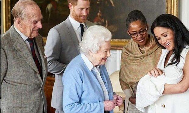 Archie, syn księcia Harry'ego i Meghan Markle będzie odseparowany od swojej babci. Królowa Elżbieta II jest bardzo smutna