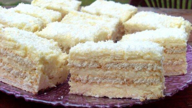 Przepis na przepyszne ciasto do złudzenia przypominające popularne kokosowe praliny Rafaello
