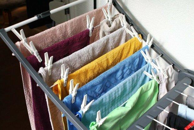 Czy suszenie ubrań w domu jest groźne dla zdrowia? Lekarze ostrzegają