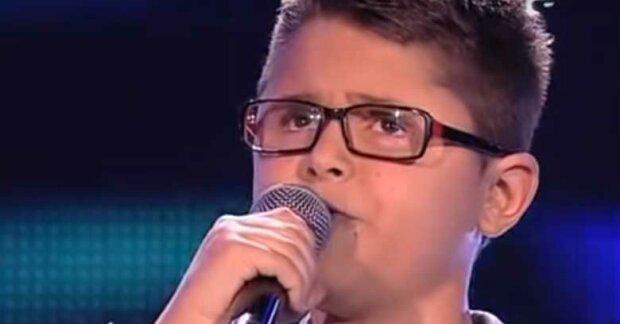 Niesamowity talent wokalny tego dziesięciolatka wywołuje ciarki na ciele. To coś naprawdę niewiarygodnego