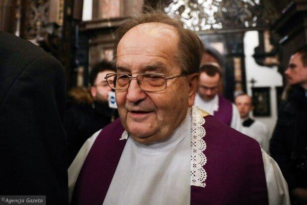 Tadeusz Rydzyk nie pojawił się na mszy. Dostał interesującą propozycję