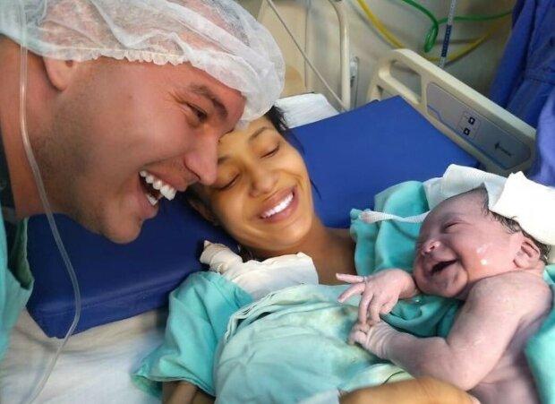 Niezwykła więź ojca i córki, którą nawiązali już podczas ciąży. Jak to możliwe
