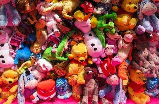 O tym, by dostać te prezenty marzyło każde dziecko lat 80. i 90. Niezapomniane chwile pod choinką