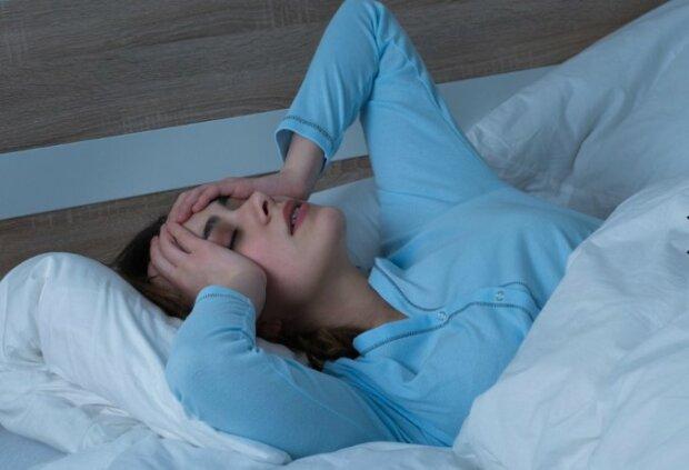 Oto powody, przez które budzimy się w środku nocy. Mają ogromny wpływ na nasze zdrowie