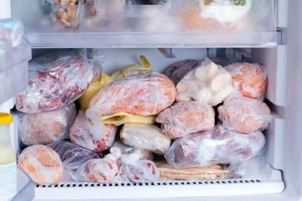 Rozmrażasz mięso w ten sposób? Od razu zmień nawyk, pozbawiasz go smaku i wartości odżywczych