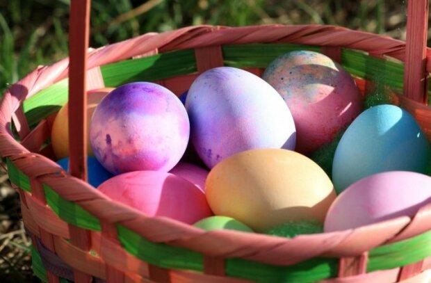 Wielkanoc już za 40 dni. Oto, jak w prosty sposób przygotować święconkę, by uniknąć niepotrzebnej chemii w kuchni
