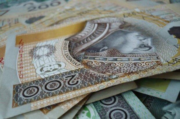 Ekstra 600 złotych wkrótce trafi do dziesiątek tysięcy Polaków. Trzeba jednak spełnić pewien ściśle określony warunek